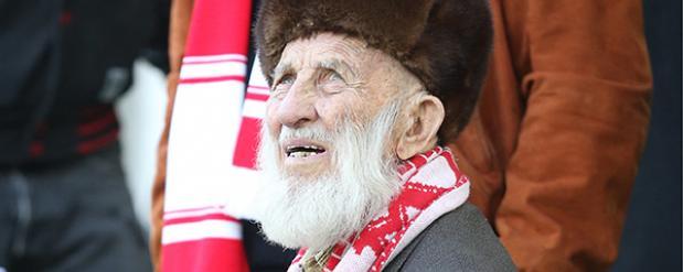 Игроки «Спартака» собрали для 102-летнего саратовского фаната 500 тыс рублей