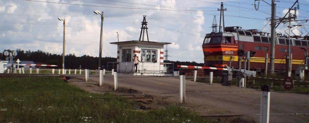 В Заводском районе Саратова на ночь перекроют переезд