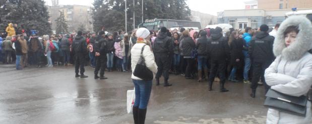 Фанаты 30 Seconds to Mars в Саратове прождали группу более 10 часов