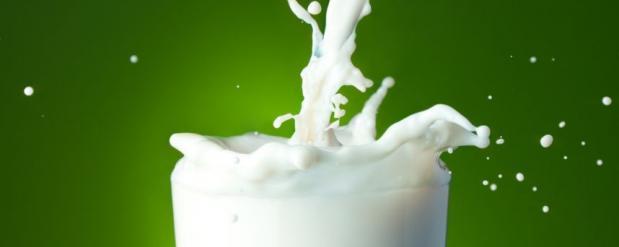 В школах Саратовской области детей кормили просроченным молоком и колбасой с плесенью
