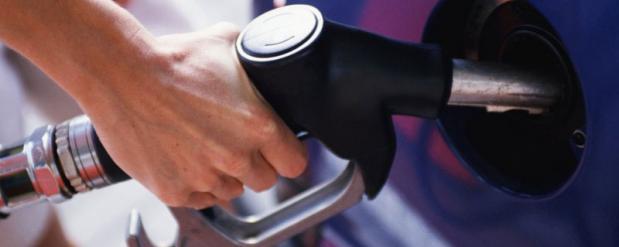 В Саратове бензин стоит дешевле, чем в среднем по России