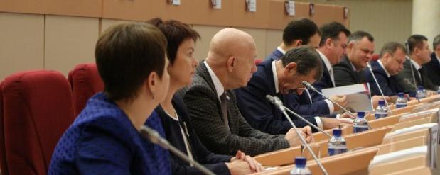 В Саратове депутаты городской думы собрались на первое заседание нового созыва