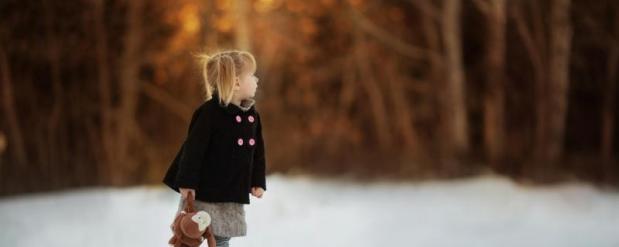 В Красном Куте 3-летняя малышка убежала из дома босиком