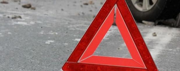 В Саратове на трассе перевернулся автомобиль, есть погибшие